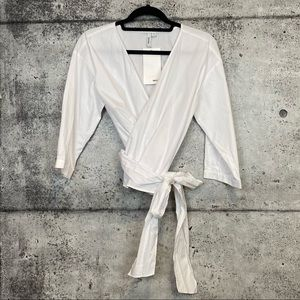 Kensie // White Wrap Top
